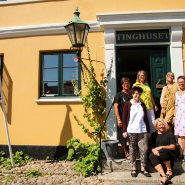 Kunstnergruppe udstiller i TingGalleriet